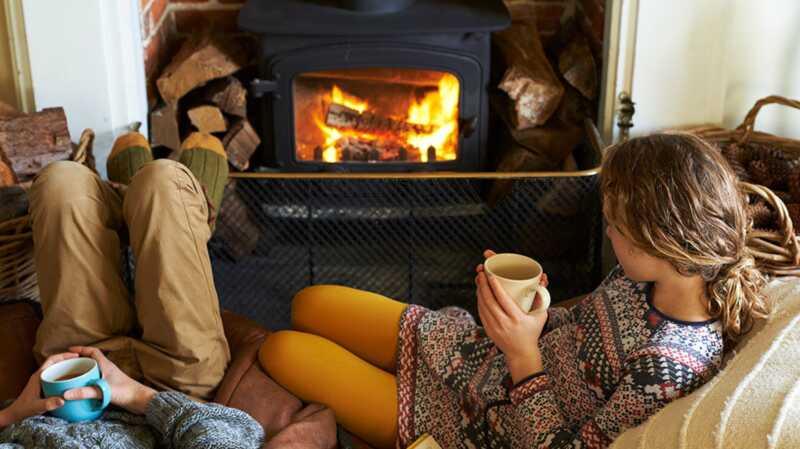 Kodėl ugnies apšvietimas jūsų namuose yra jaukus, bet ne toks sveikas