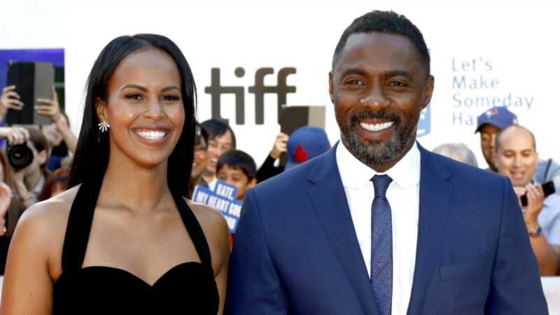 Idris Elba navrhla svoju priateľku tak hollywoodskym spôsobom