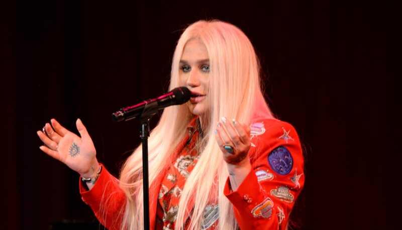 Kesha hrabro svima pruži svoju dušu kroz svoju novu muziku
