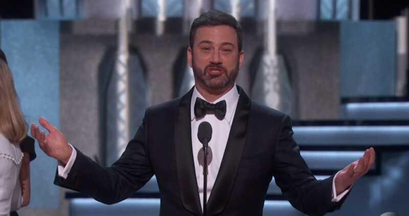 Džimijs Kimmels mēģina smieties par Oskaru aptvēruma dīvaini