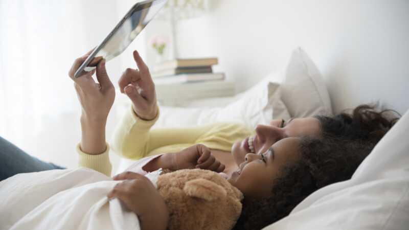 Com el nostre ritual danar a dormir va donar a la meva filla molt més que una bona història