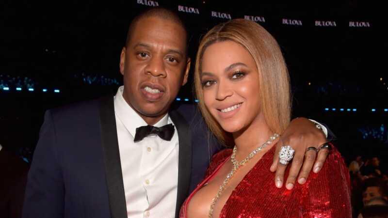 Alle hagler tvillingene! Beyoncés far bekrefter fødselen