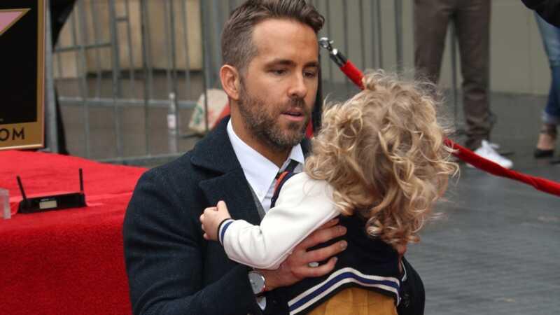 Bevis Ryan Reynolds är den roligaste pappan på Twitter