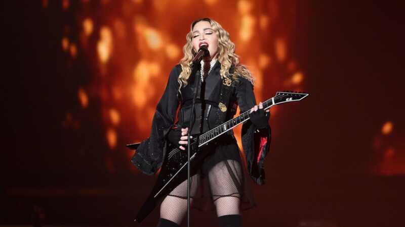 Madonna stiller sjældent billede med alle 6 børn til hendes fødselsdag