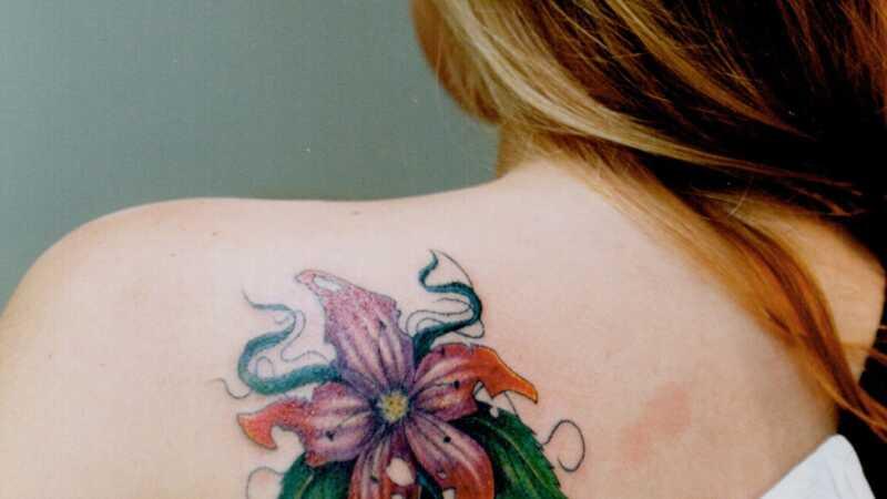 Έκπληξη ειδήσεων για τους έφηβους και τα τατουάζ