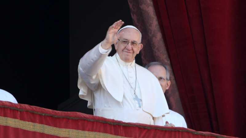 Pope Francis sier offentlig amming er et språk av kjærlighet
