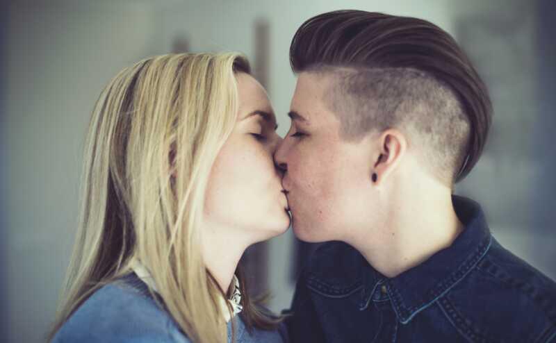10 realių priežasčių bučiavimas tikrai tinka jums