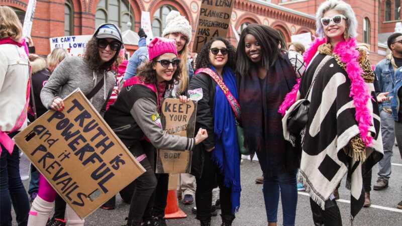 Wystarczająco dużo z posypaniem kobiecego marszu, dziękuję bardzo