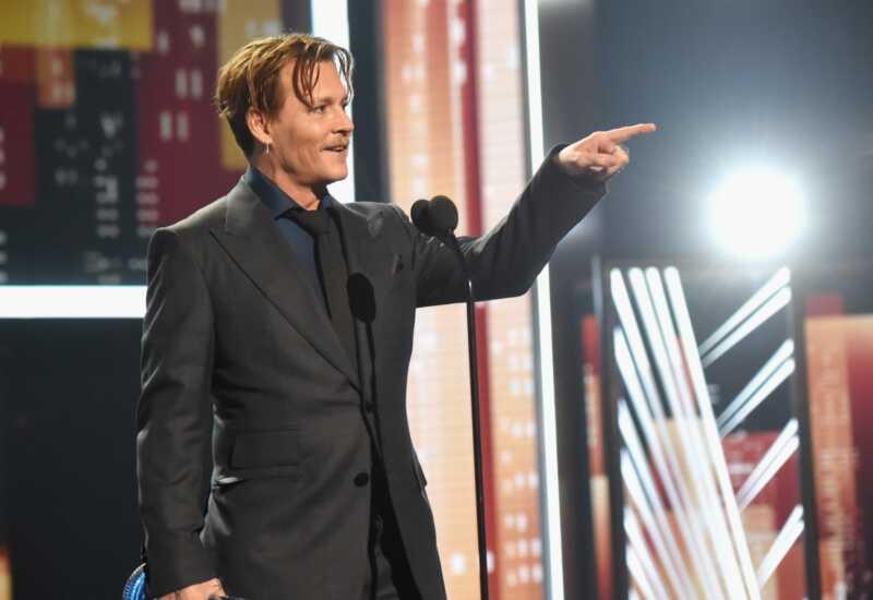 Džonijs Depps bangas nebija vienīgā lieta, kas ir dīvaini par viņa pca runu