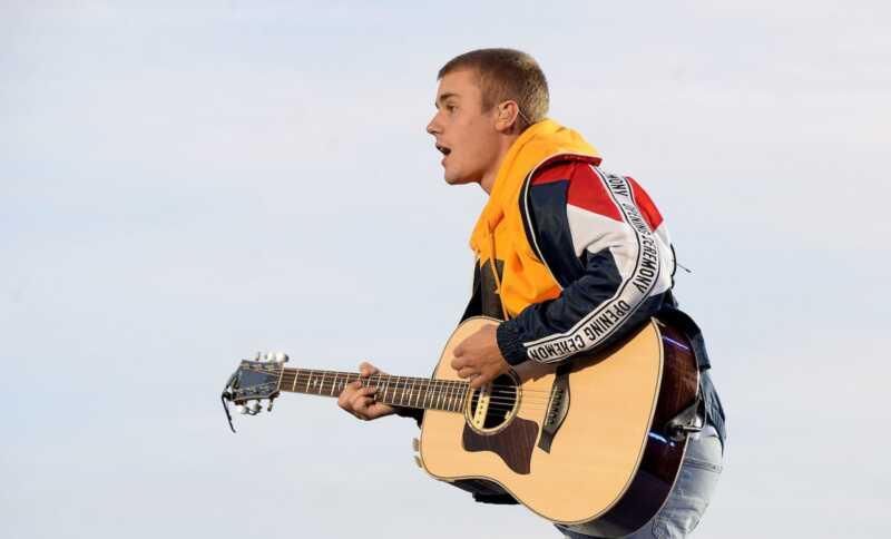 Aksidenteng na-hit ni Justin Bieber ang isang photographer habang umalis sa simbahan