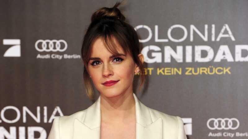 Emma Watson leiab feministlikke raamatuid kogu NYC metroos täiusliku ajastamise käigus