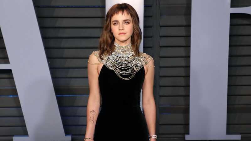 Emma Watson objímá jej Oscary dočasné tetovanie zlyháva ako šéf