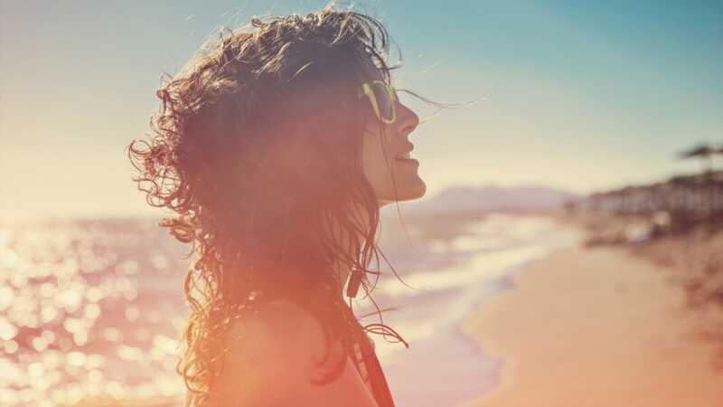 Ar psoriazės fototerapija yra saugi? Mes paprašėme dermatologijos profesionalų pasverti