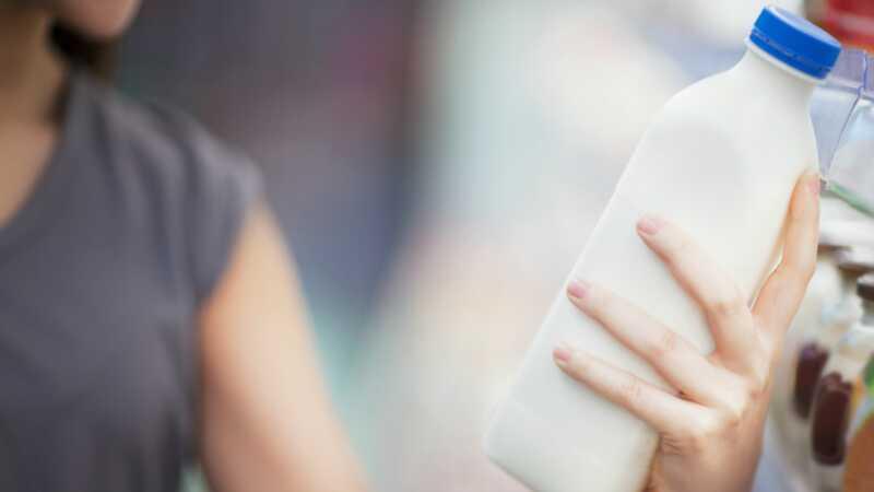 Cosa fare con il latte avariato prima di buttarlo fuori
