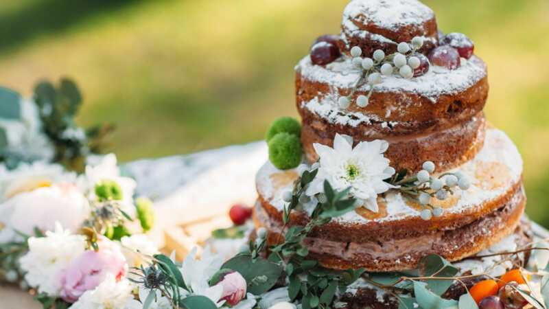 Ti veganski peki bodo ponovno preučili vašo poročno torto