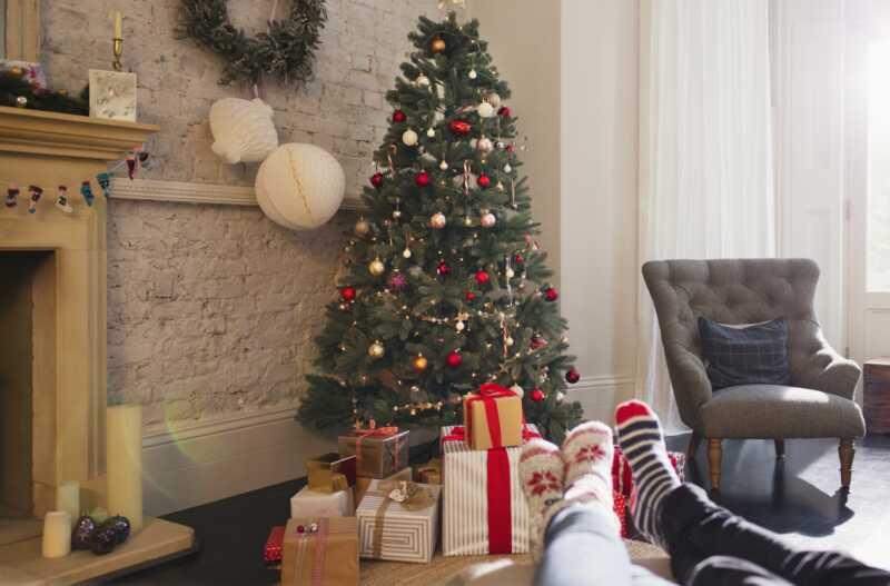 Kā izvēlēties perfektas dāvanas katram jūsu attiecību posmam