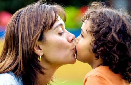 Per què beso els meus fills als llavis i no tinc intenció de parar