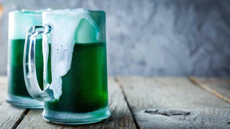 Hur man gör grön öl och 4 andra festliga drinkar till St. Patricks day