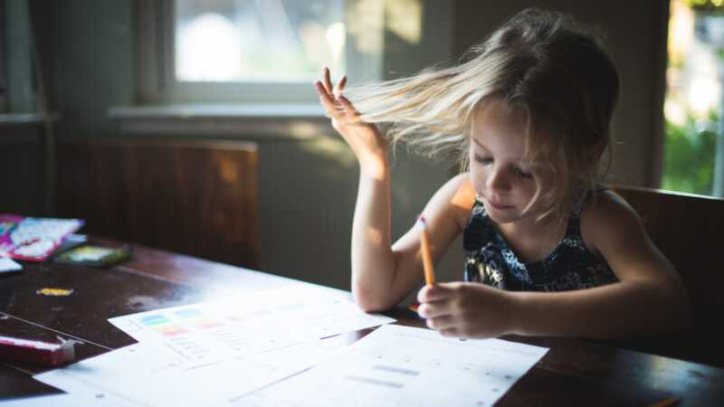 Florida apgabals aizliedz mājas darbus, un vecāki uzmundrina