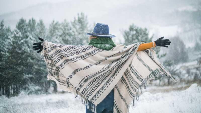 Tas ir iemesls, kāpēc āda ziemā ir sliktāka (un kāpēc jūsu vaigi kļūst sarkana)