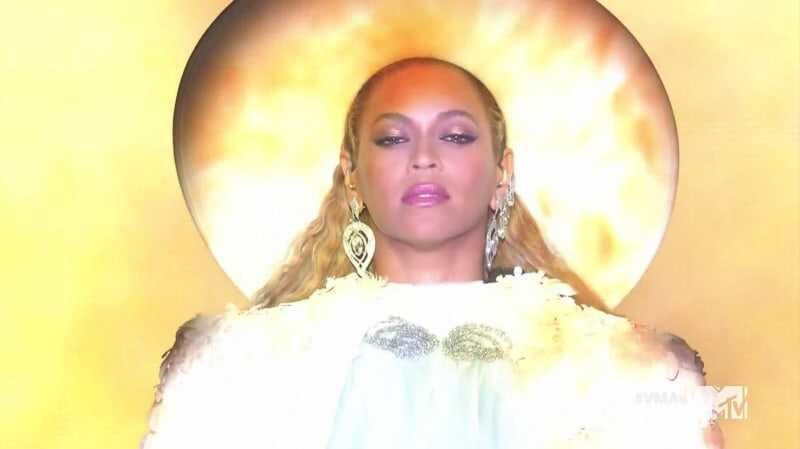 Beyoncé teisinės nelaimės didėja po to, kai ieškoma formavimo atrankos