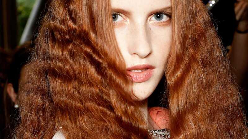 Kaip pataisyti savo plaukus, kai jis yra sausas kaip dykuma