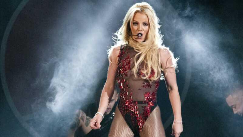 Szeretetnek kell lennie, ha Britney lándzsák és Sam Asghari együtt töltött karácsonyt, ugye?