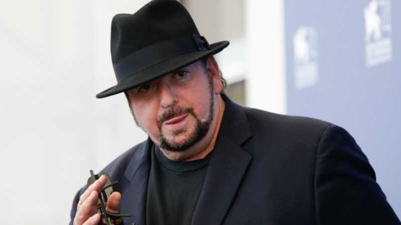 Daugiau nei 30 moterų apkaltino režisierių Jamesą dėl seksualinio nusižengimo