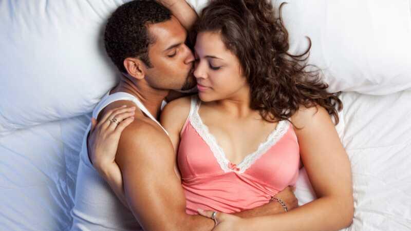 Kodėl neturėtumėte duoti savo vyrui daugiau sekso?
