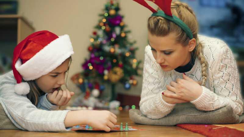 13 dāvanas ideāli piemērotas ikvienam, kas ir pilnīgi apsēsts galda spēlēs