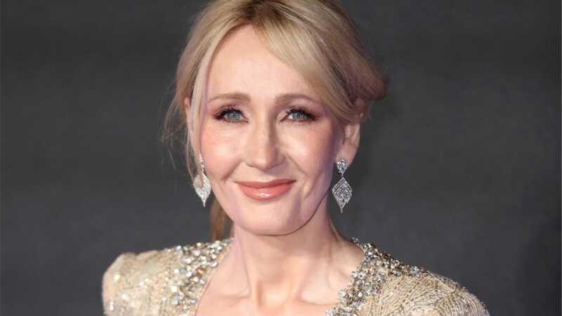J.K. Rowling yra reali pro uždarydama Twitter troleibus