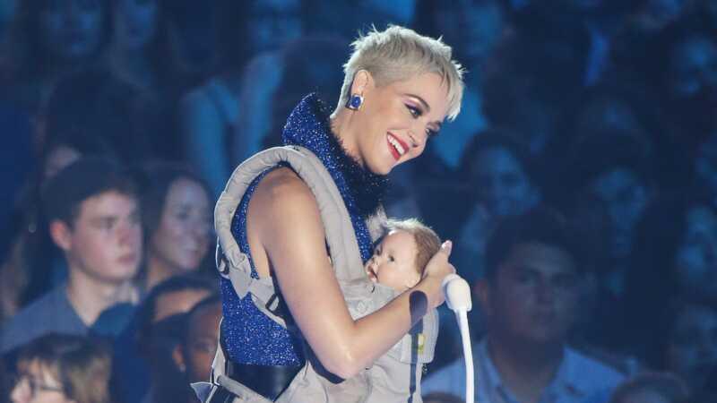 Kati Perri je uzela lažnu bebu u vmas