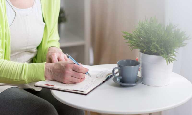 Εδώ είναι τι συμβαίνει με τα επίπεδα ορμονών σας κατά τη διάρκεια της περιόδου σας