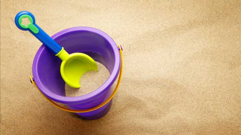 Um, yeah, vaš mali dječji sandbox može biti toplo od toksina i zdravstvenih opasnosti