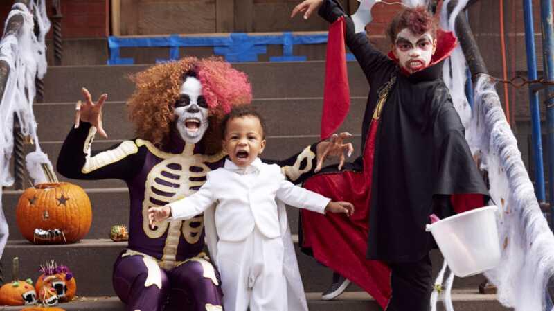 Ang mga pangalan ng sanggol na pinagsama-sa-Halloween ay para sa klasikong tagahanga ng panginginig sa ating lahat