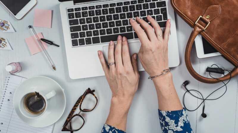 8 tipov, ktoré pomáhajú ľuďom s ADHD, aby sa cez pracovný deň