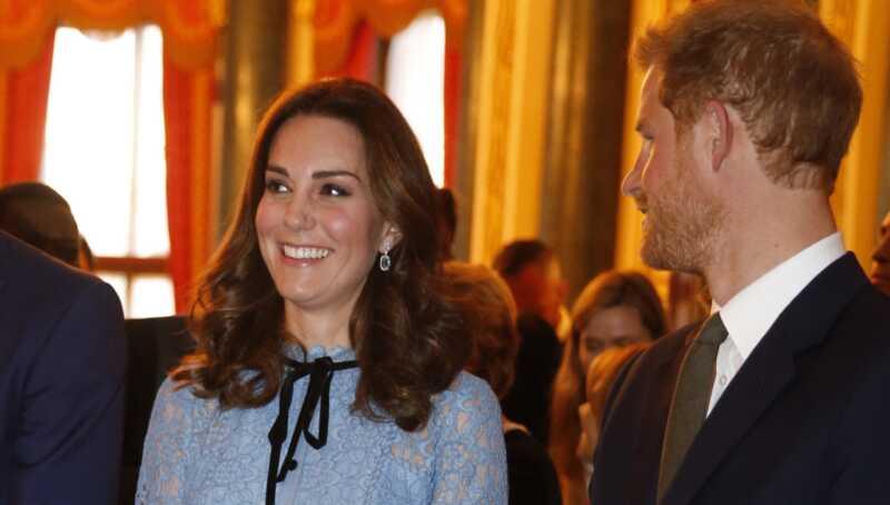Kate middleton gør første offentlige udseende siden graviditet meddelelse