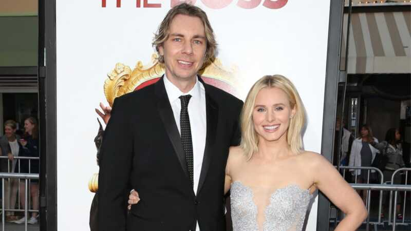 Το κουδούνι Kristen και ο Dax shepard συνεχίζουν να είναι αξιολάτρευτοι γονείς και ανθρώπινα όντα