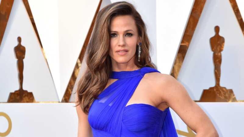 Toată lumea și-a pierdut răcoarea peste aspectul Oscar-ului lui Jennifer garner