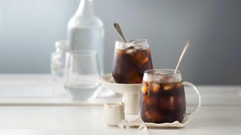 15 kotitekoista, jäähdytetyn kahvin reseptiä, jotka ovat hienoja, helppoja ja kohtuuhintaisia