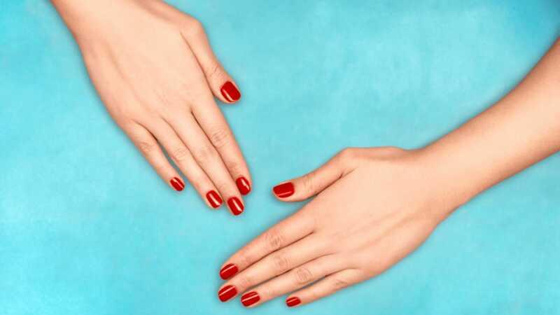 Hvordan slippe af med gule negle, så du kan faktisk gå polskfri