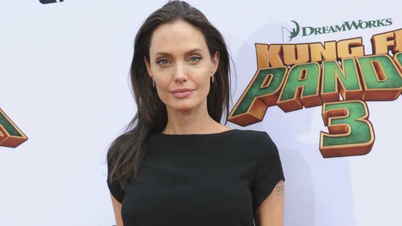 Angelina Jolie tycker inte om att vara singel, som påstås återförenas med Brad Pitt