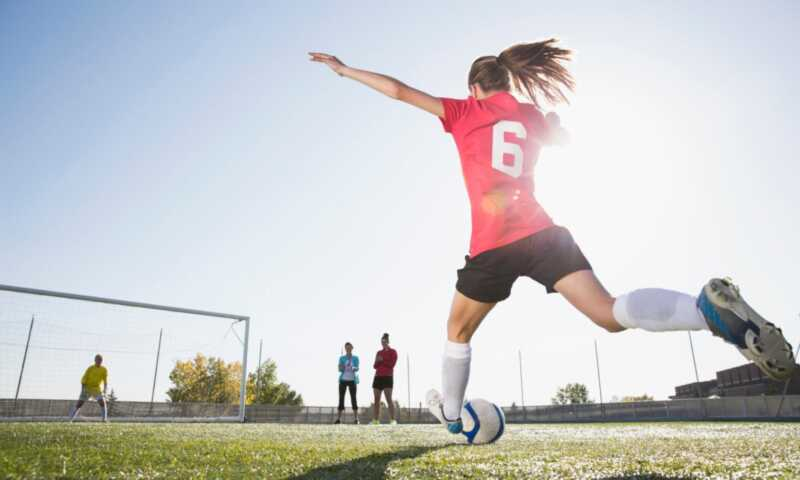 Hjernerystelser knyttet til uregelmessigheter i unge kvinnelige idrettsutøvere