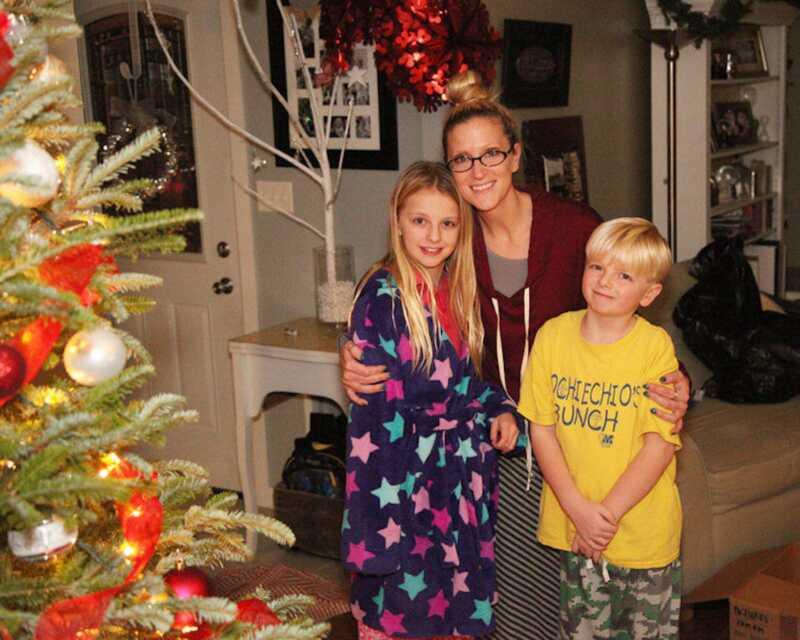 Jeg lade mine børn hjælpe os på juleaften for at lære dem sandheden om julemanden