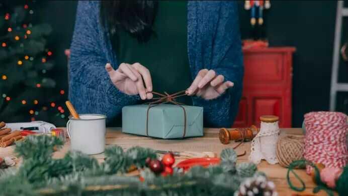 Az ajándékcsomagolás megkönnyíti az ünnepeket