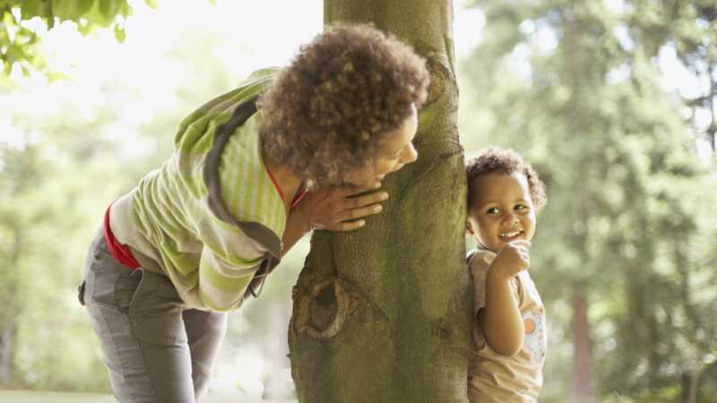 9 sjove udendørs aktiviteter at gøre med dit barn