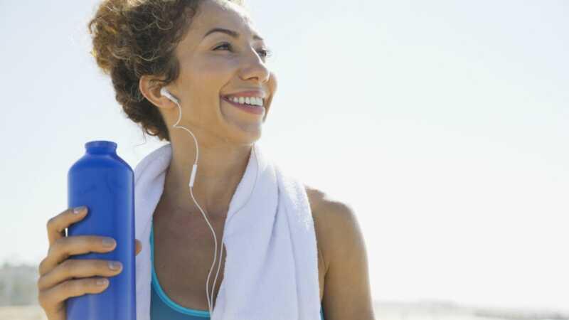 9 hands-free produktů, které vám pomohou udržet hydratované během dlouhé doby