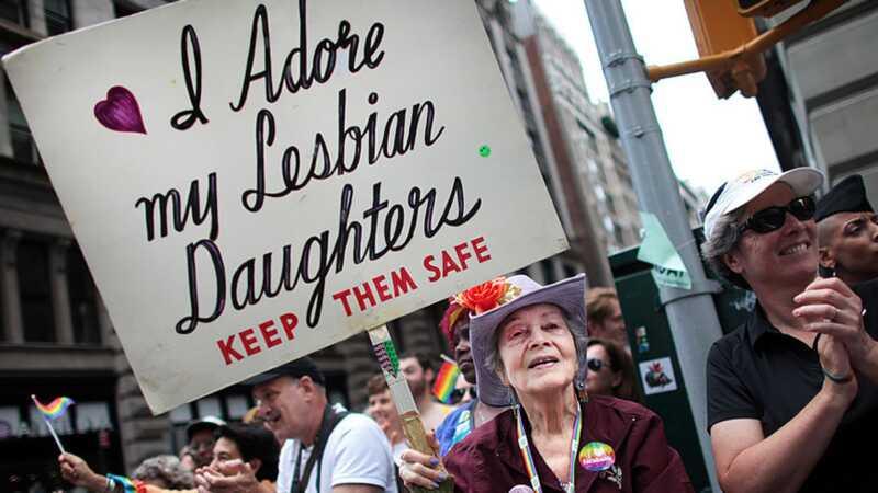 Lepni vecāki atzīmē savus LGBTQ bērnus, un tas ir diezgan lieliski