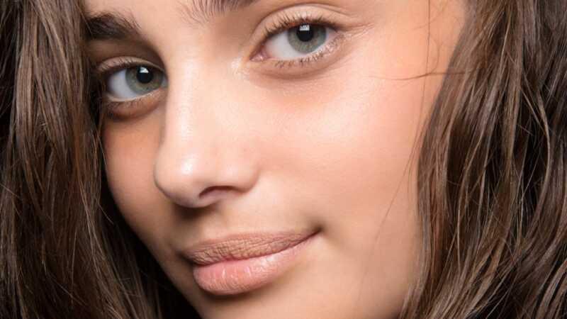 9 stiprūs drėkintuvai, kurie rimtai nuramina sausą, piktą odą