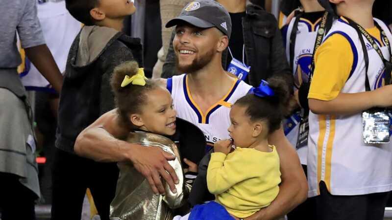 Steph Currys söta döttrar var de riktiga vinnarna igår kväll